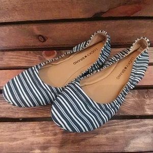 Lucky Brand Elysia Flats Blue and White Size 8M/38